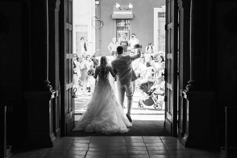 Sortie des mariés de l'église de La Ciotat